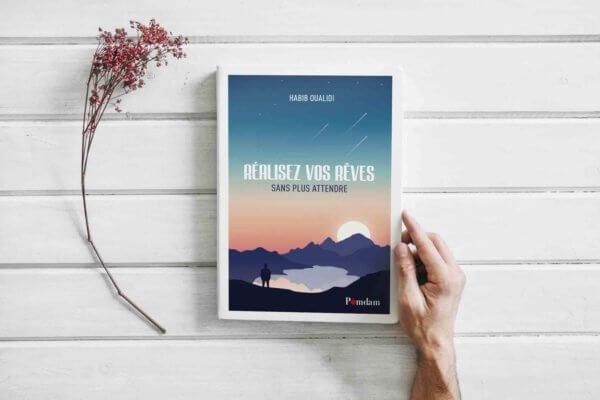 « Réalisez vos rêves sans plus attendre » est un livre écrit par Habib Oualidi, le fondateur de l'agence lilloise Kayak Communication. Conférencier et consultant en communication de projets, il est également l'auteur de « Kayak mon amour, jusqu'où iriez-vous pour sauver votre boîte ? » . Son parcours est jalonné de défis et de rêves accomplis, mais malgré ses années d'activité, chaque jour qui se lève, pour lui, la vie ne fait que commencer !